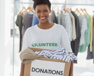 Are women more charitable?