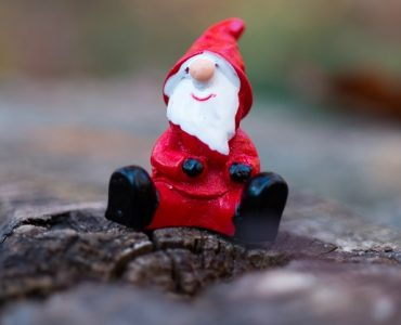 Charity writing digest – Secret Santas, setting goals & taking risks